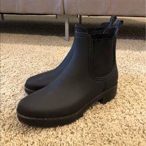 Jeffrey Campbell waterproof chelsea boots